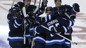 Уинипег с драматична победа над Торонто в НХЛ