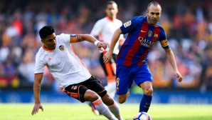 Във Валенсия бесни на съдията от мача с Барселона