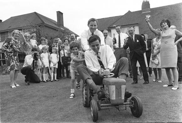 """""""От питлейна"""": Великобритания 1966: Когато Джим Кларк смени Ф1 за Lotus Cortina"""