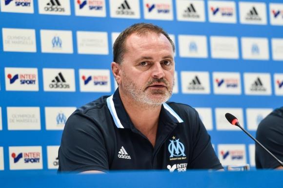Марсилия се раздели със спортния си директор