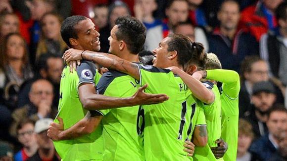Ливърпул поддържа темпото на Манчестър Сити и Арсенал след нов голов празник (видео)