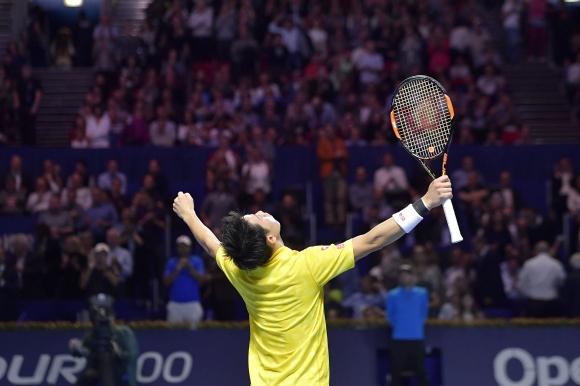 Нишикори срещу Чилич на финала в Базел