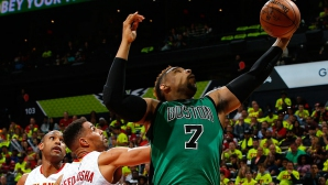 Торонто без един от новите на старта на сезона в НБА