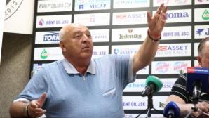 Венци Стефанов за силния човек при съдиите: Той е много високо и не ми отговаря
