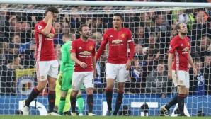 Братята Невил гневни от представянето на Манчестър Юнайтед в дербито с Челси
