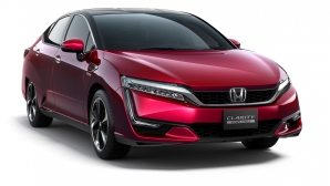 Honda Clarity Fuel Cell покри 589 км и идва в Европа