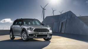 Електризиращо: MINI COOPER S E COUNTRYMAN ALL4