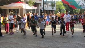 Повече от 200 ученици от Търговище участваха в крос по повод Деня на народните будители