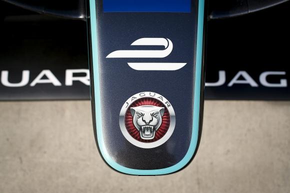 Jaguar: Електромобилите са неизбежни