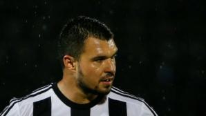 Божинов и Партизан се закачиха за Звезда след обрат от 0:2