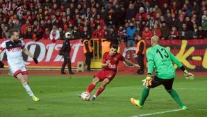 Шест гола във вратата на Ники Михайлов (видео)