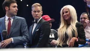 Гореща целувка за шампиона (видео)