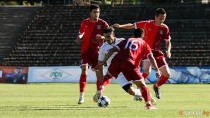 Сашо Ангелов нападна футболистите си