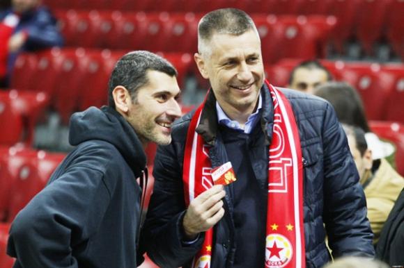 Радо Стойчев призова: Издигнете статуя на Сашо Попов, ЦСКА се държи заради него