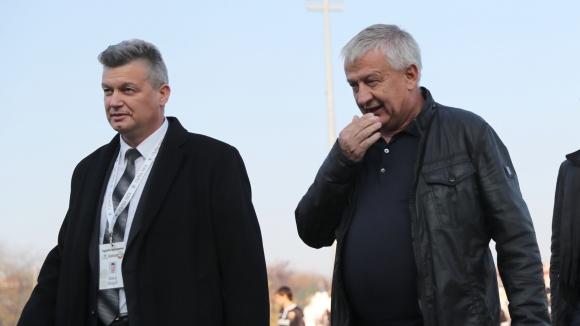 Община Пловдив опрощава задълженията на Ботев и Локо