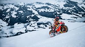 Марк Маркес се спусна с мотоциклета си по ски писта (Видео)