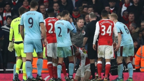 Две дузпи в добавеното време при драматичен успех на Арсенал (видео)