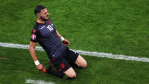 Герой на Албания от Евро 2016 иска да стане българин