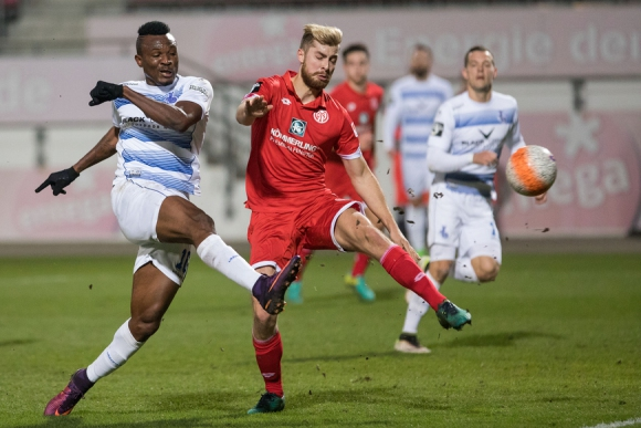 Груев и Дуисбург крачат към Втора Бундеслига с 2:0 в Майнц
