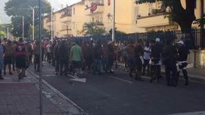 Един убит след сблъсъци между фенове в Рио де Жанейро