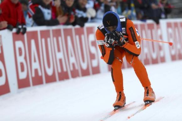 Венецуелец стана за смях на световното по ски бягане (видео)