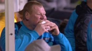 125-килограмовият вратар на Сътън Юнайтед хапна на пейката (видео)
