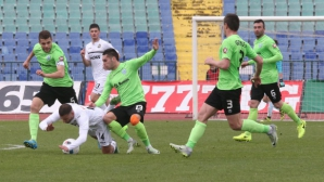 Феноменален гол донесе трите точки на Славия, Гонзо изгонен (видео+галерия)
