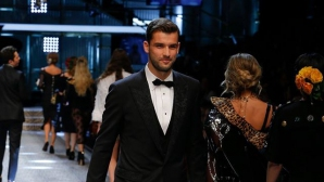 Григор Димитров дефилира на ревю на Dolce&Gabbana (видео)