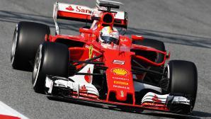 Фетел и Ферари най-бързи до обяд в първия тест във Ф1 за годината