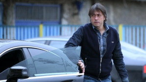 """Призоваха бившите собственици на Левски да """"преоформят"""" 2,2 млн. лева"""