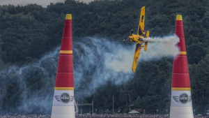 "Ханес Арх триумфира на ""Red bull Air race"" в Полша"