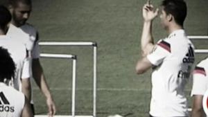 Кристиано размахва средни пръсти на тренировка