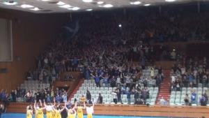 """Сектор """"Б"""" изпрати баскетболния Левски с аплодисменти"""