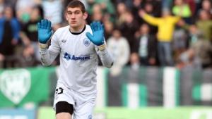 Влизането на футболиста на Берое, с което счупи крака на Китанов