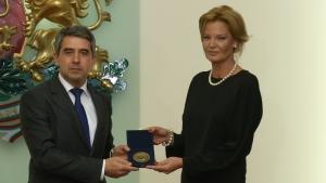 Плевнелиев връчи на БОК Почетния знак на президента