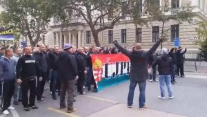 Уникално: Ултрасите на всички отбори в Унгария скочиха протест срещу правителството