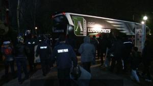 """Полицейски кордон изпрати Лудогорец от """"Армията"""""""
