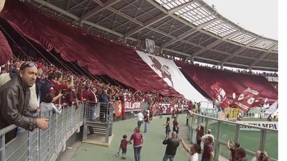 Уникална хореография на ултрасите на Торино в мача срещу Ювентус