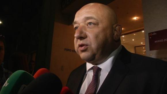Кралев: Ще помагаме за базите в ДЮШ