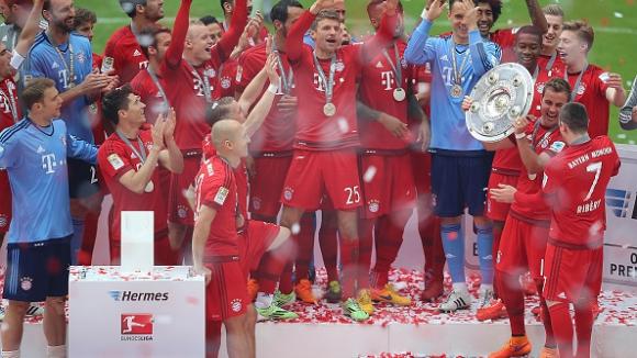 Байерн (Мюнхен) вдигна Салатиерата за 25-и път