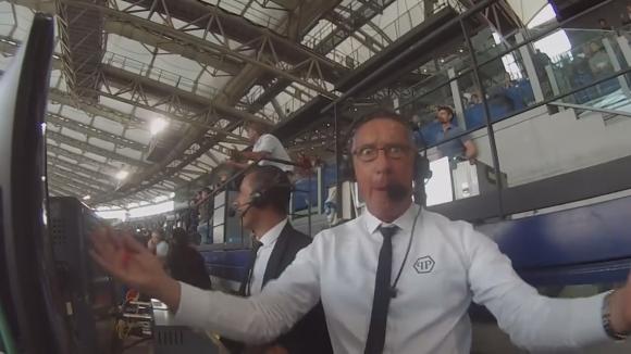 Коментаторът на клубната телевизия на Рома изпадна в истерия след победата над Лацио