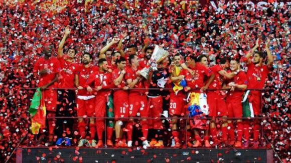 Севиля празнува четвъртия си трофей в турнира Лига Европа