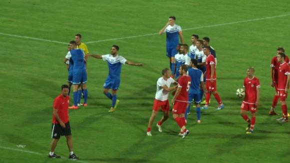 Всички нарушения на футболистите на Ашдод срещу ЦСКА