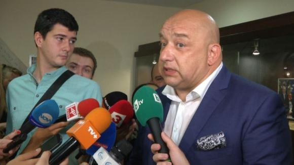 Министър Кралев за екшъна на ЦСКА: Такива неща не трябва да се случват