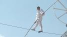 Уникално: Унгарски акробат впечатли София с цирков номер на 15м височина