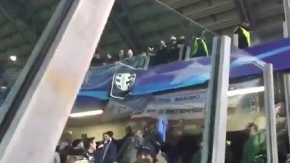 Феновете на Ювентус и Манчестър Сити си подмятат фланелката на Балотели, защото никой не я иска