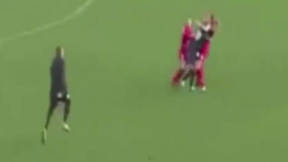 Женска злоба на футболен мач