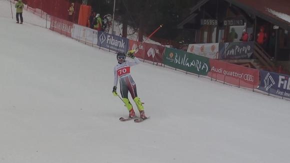 Мъгла затрудни скиорките на втория слалом в Пампоров