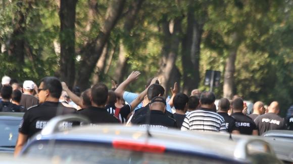 """Шествие на """"смърфовете"""" в Морската градина на Бургас"""
