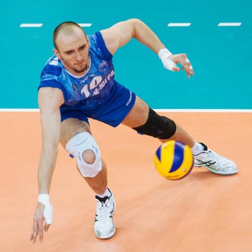 Тодоров, Алексиев и Сургут шокираха Локомотив с 3:0 в Новосибирск и са на полуфинал в Русия